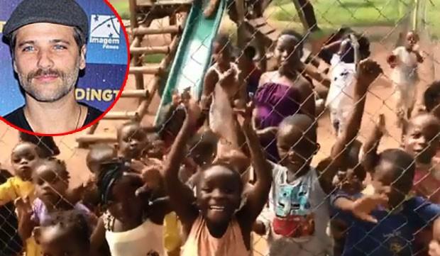 Bruno Gagliasso ganha homenagem de crianças africanas (Foto: Reprodução)