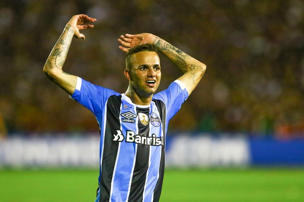 Luan foi autor de golaço no 2 a 1 sobre o Lanús (Foto: Lucas Uebel/Divulgação Grêmio)