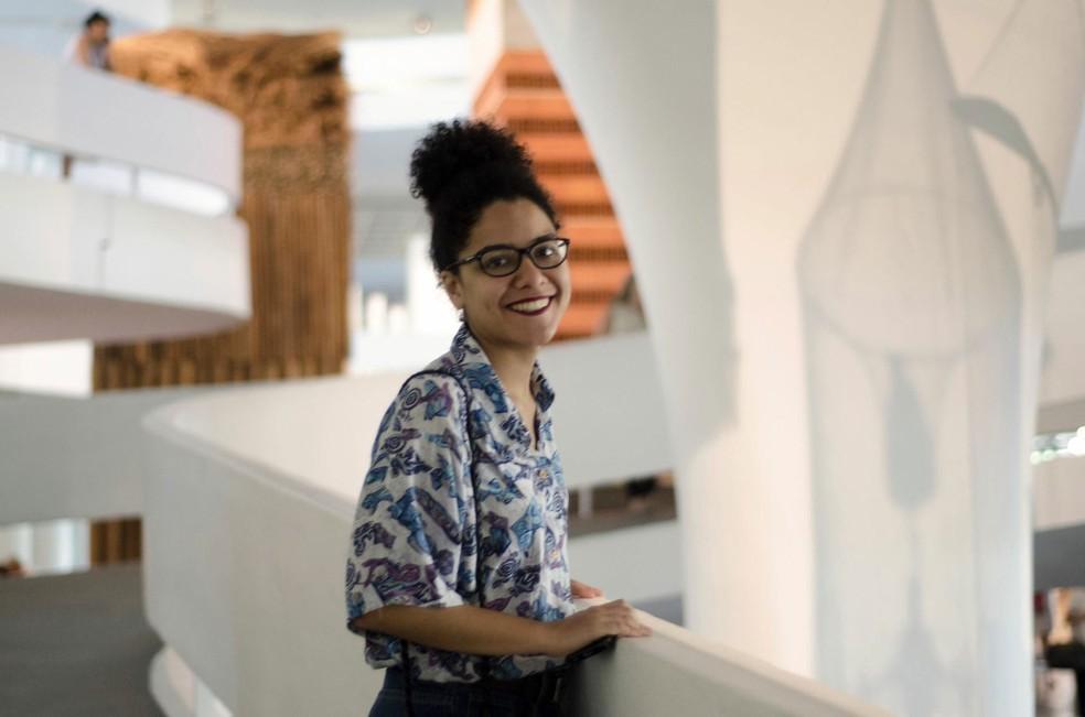 A designer Gabriela Barreira, que fez 'Textos cruéis demais para serem lidos rapidamente' — Foto: Divulgação