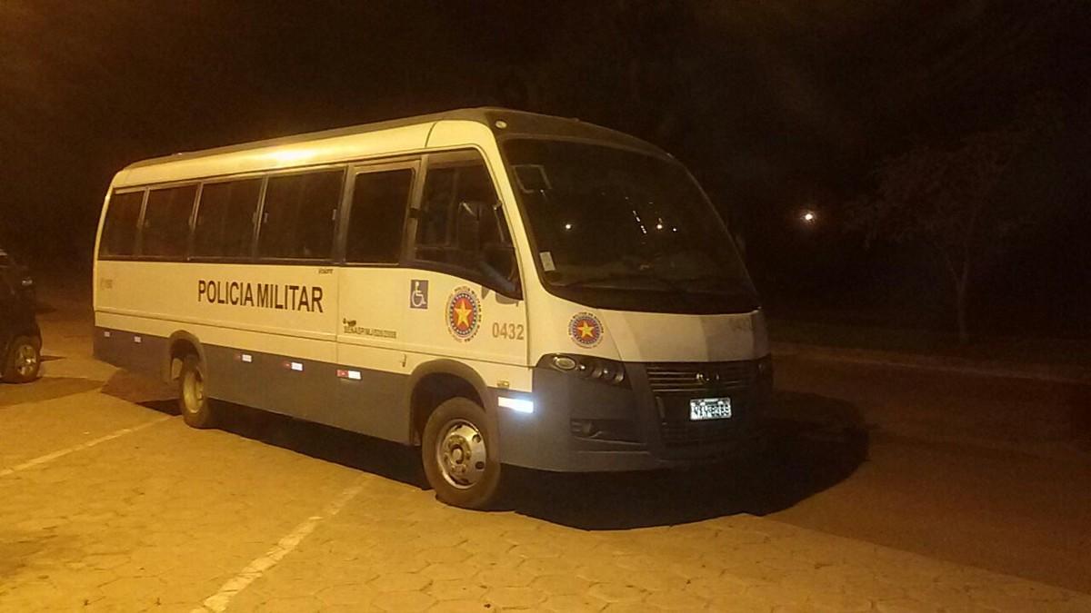 Internos suspeitos de liderar confusão no CSE são levados para delegacia em Boa Vista