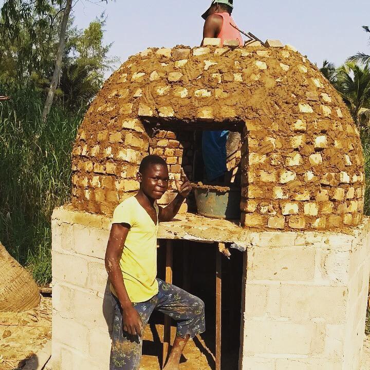 O menino Isler e o forno em Quelimane, Moçambique