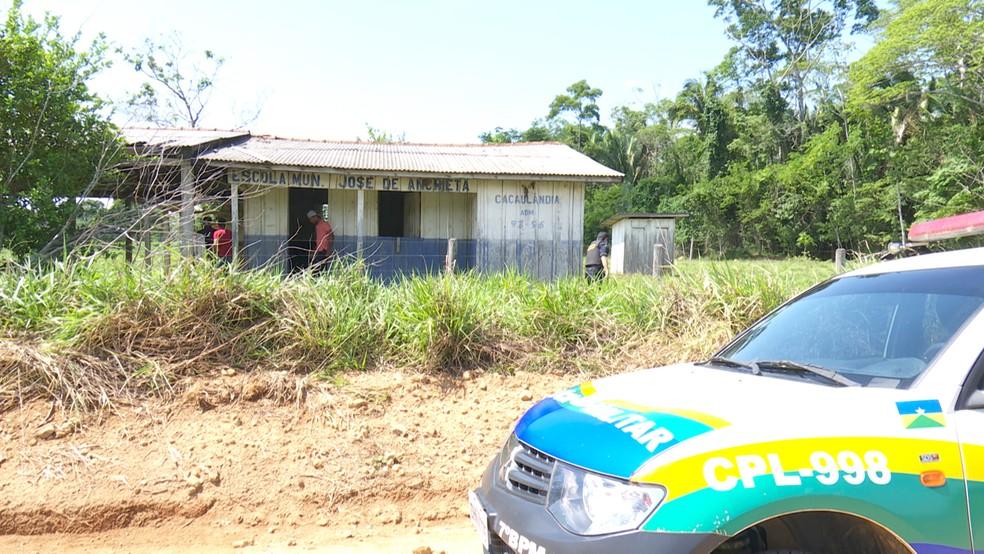 Polícia durante buscas no Vale do Jamari (Foto: Rede Amazônica/Reprodução)