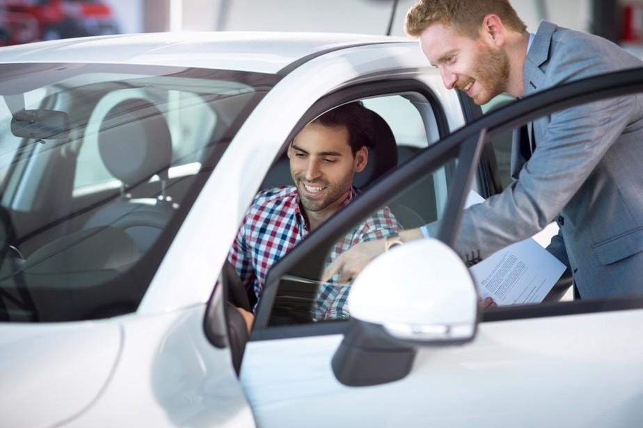 Vai comprar ou vender um carro? Saiba que documentos são necessários