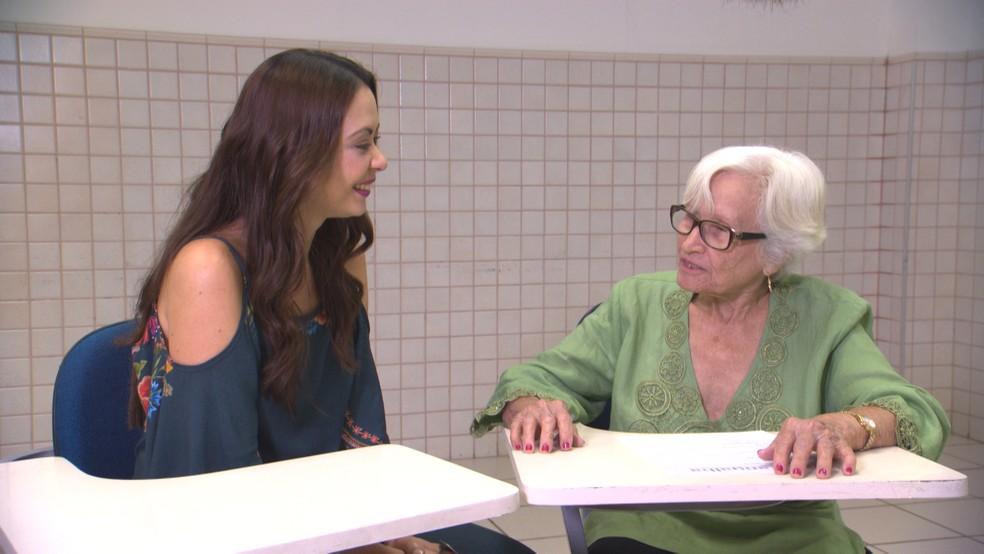 A aposentada Maria de Lourdes, de 92 anos, fala sobre as maravilhas da terceira idade (Foto: TV Bahia)