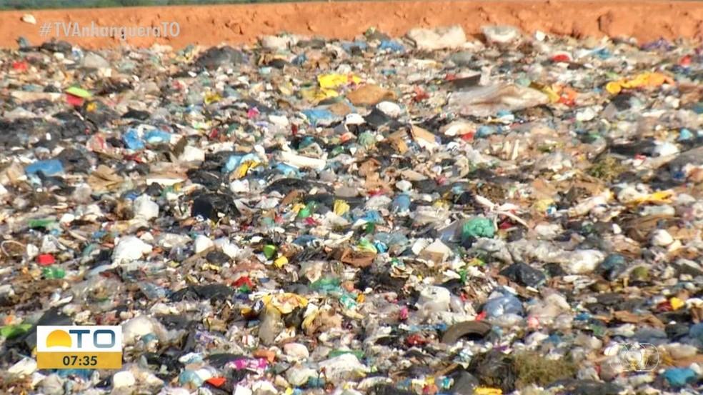 Palmas produz cerca de 340 toneladas de lixo por dia — Foto: Reprodução/TV Anhanguera