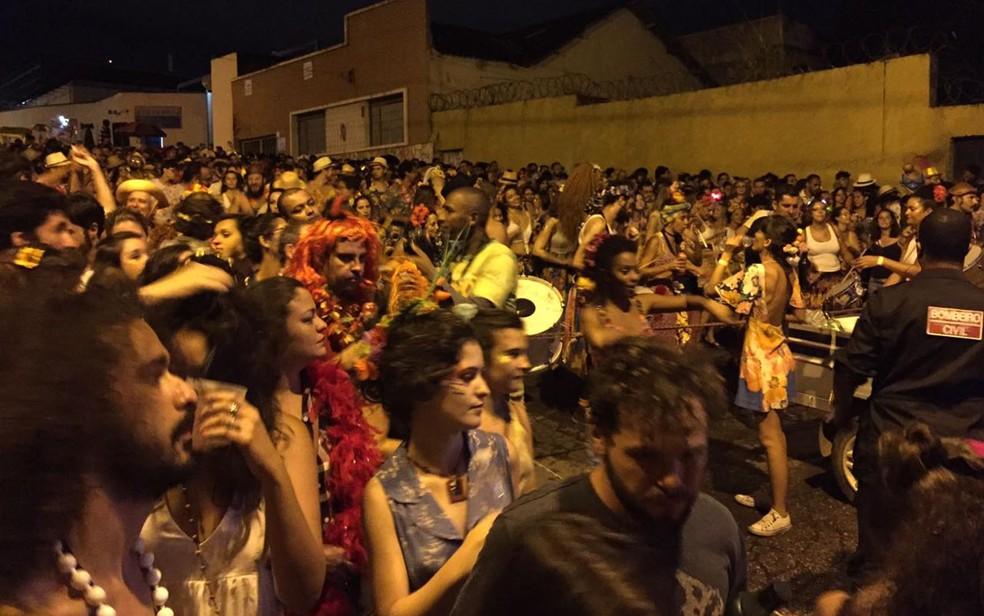 Pisa na fulô desfila no bairro Carlos Prates, em Belo Horizonte. — Foto: Raquel Freitas/G1