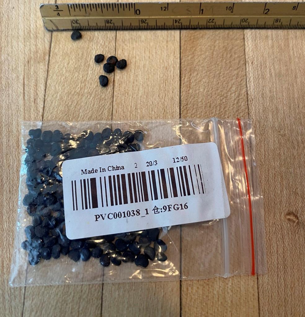 Pacote de sementes misteriosas vindo da China — Foto: USDA APHIS via REUTERS