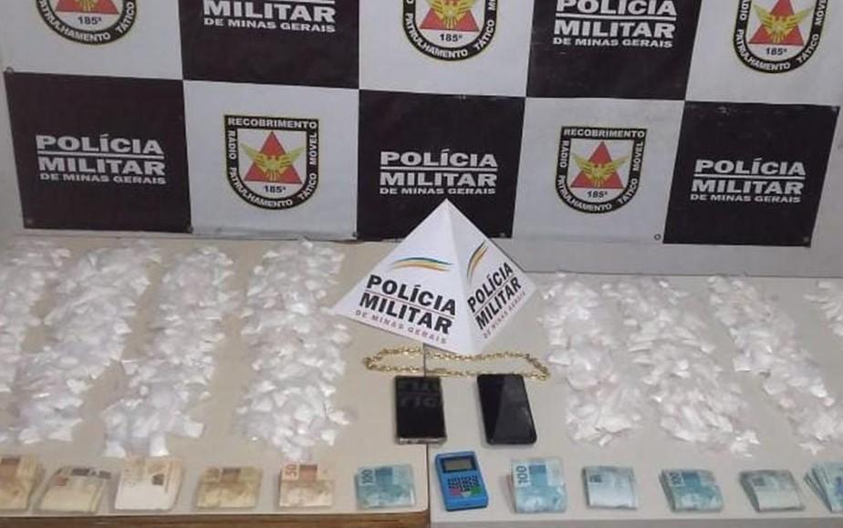 Homem é preso com cerca de mil papelotes de cocaína e carro de luxo blindado em Pouso Alegre, MG