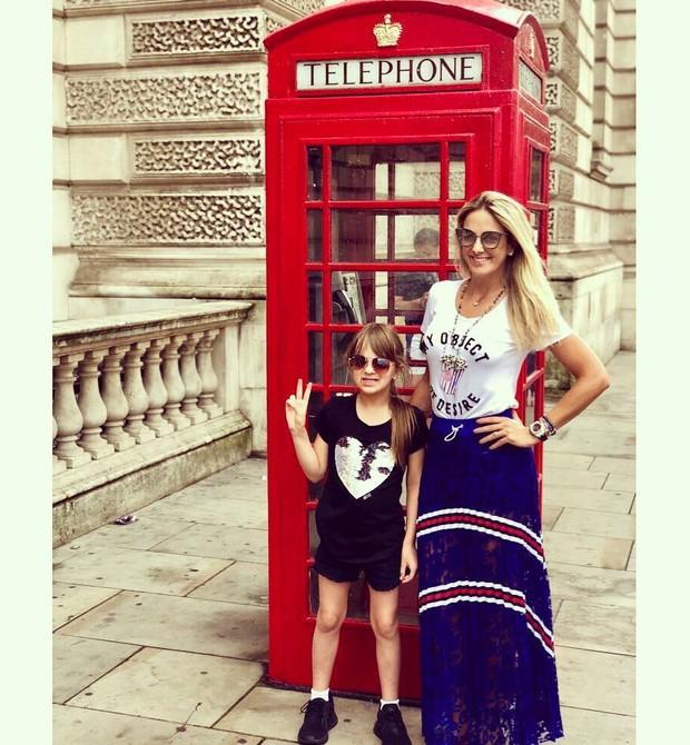 Rafa Justus e a mãe Tici Pinheiro turistando em Londres (Foto: Reprodução Instagram)