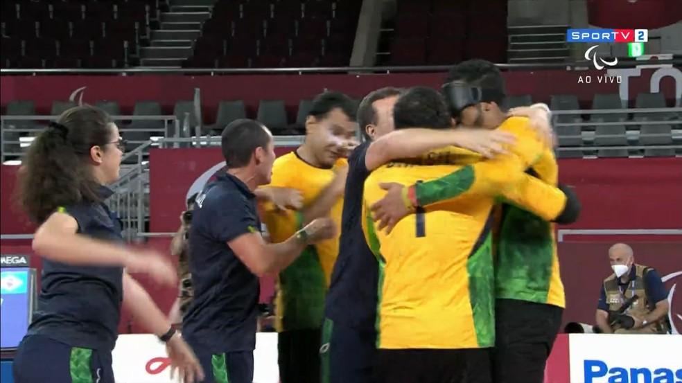 Brasileiros festejam ouro no goalball em Tóquio — Foto: Reprodução