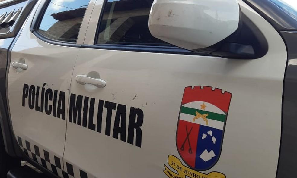 Guarnição da Polícia Militar esteve no local do crime e encontrou mãe e filho mortos — Foto: Sérgio Henrique Santos/Inter TV Cabugi