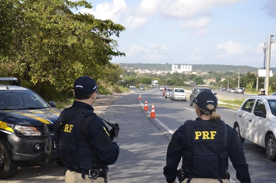 PRF registra acidentes com dois mortos e 34 feridos durante Operação Nossa Senhora Aparecida em PE - Radio Evangelho Gospel