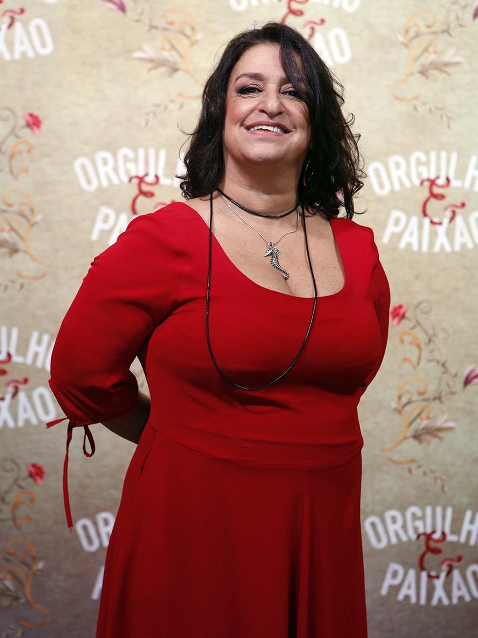 Grace Gianoukas arrasa em vermelho! (Foto: Fábio Rocha/Gshow)