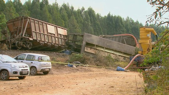 Derramamento de enxofre após trem descarrilar preocupa autoridades em São Simão, SP