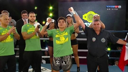 Adriana Araújo estreia com vitória no boxe profissional na categoria super leve