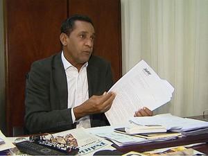 O vereador Walter Gomes (PR) afirma que o projeto de lei apresentado pela prefeita Dárcy Vera (PSD) é ilegal do ponto de vista do interesse público (Foto: Maurício Glauco/EPTV)
