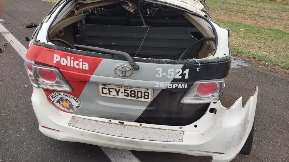 Veículo da Polícia Militar após acidente na Rodovia Marechal Rondon em Avaí (SP) — Foto: Polícia Militar Rodoviária /Divulgação