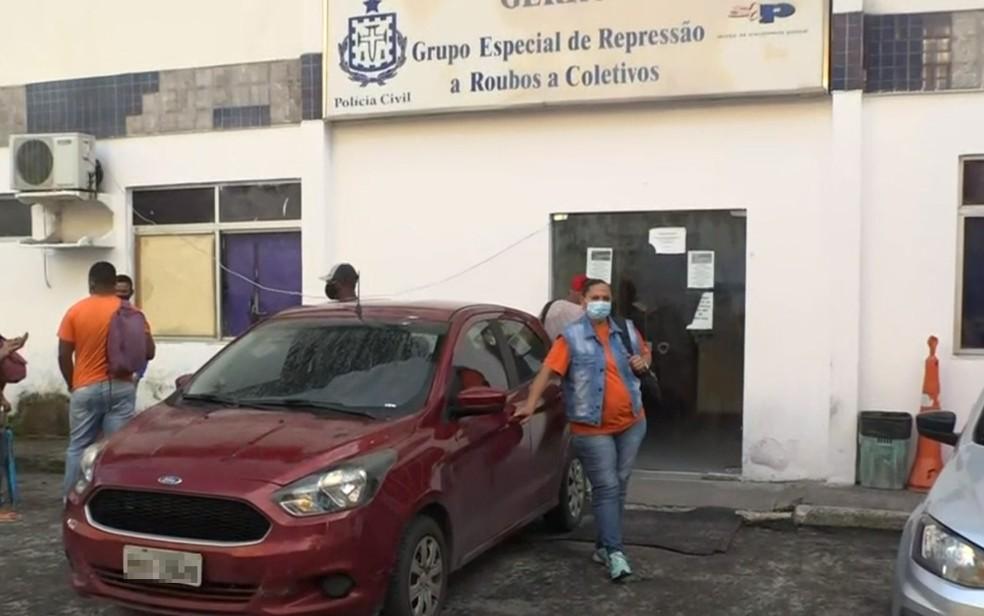 Casos foram registrados no Grupo Especial de Repressão a Roubos a Coletivos (GERRC), em Salvador — Foto: Reprodução/TV Bahia