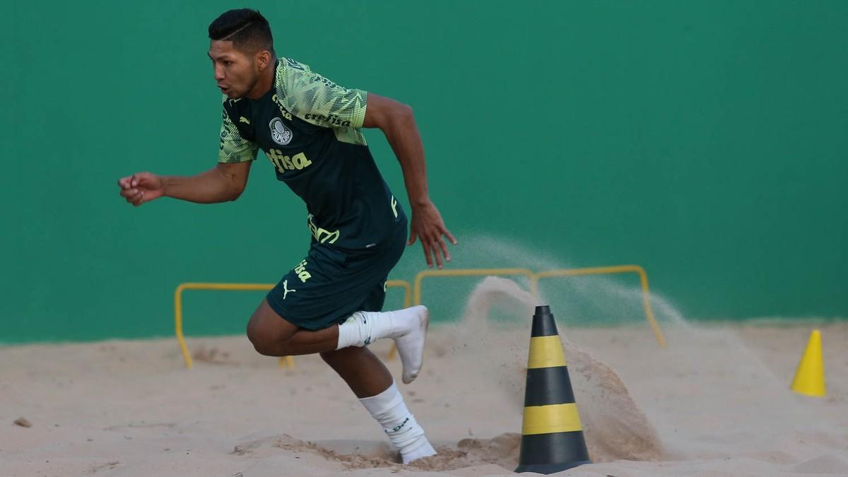 Fifa suspende Rony, atacante do Palmeiras, por quatro meses – globoesporte.com
