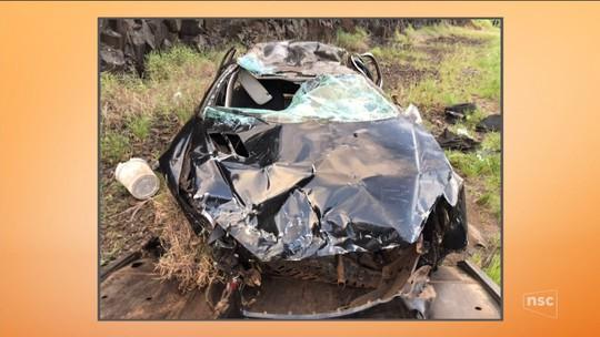 Duas mulheres morrem em capotamento na SC-480; condutor estava embriagado, diz PMRv