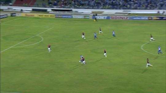 """Marcelo Cabo enche a bola do elenco após vitória do CSA: """"Dou nota 9"""""""