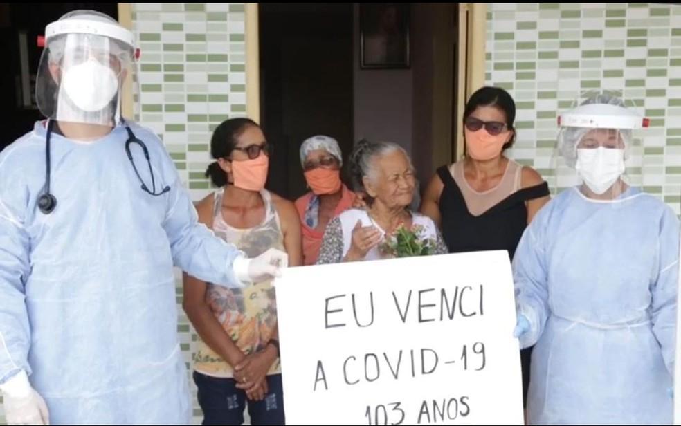 Dona Josefa agradeceu à Deus a cura — Foto: SES/Simão Dias