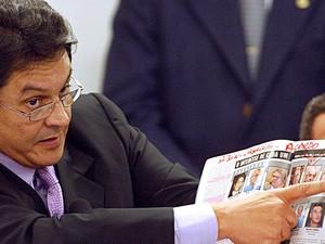 14/06/2005 - Deputado Roberto Jefferson denuncia o esquema do mensalão no Conselho de Ética da Câmara. (Foto: Marcello Casal Jr/ABr)
