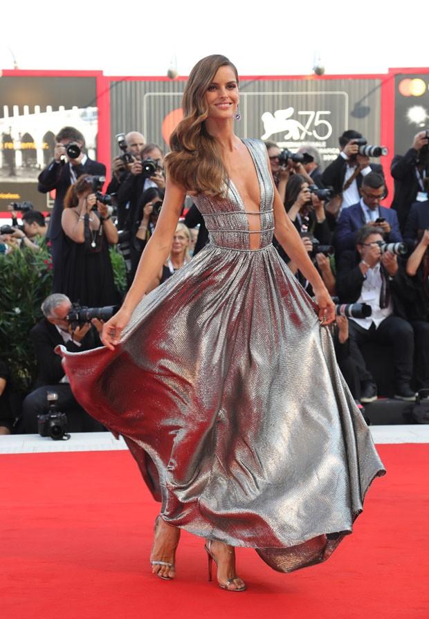 Izabel Goulart em Veneza (Foto: Getty Images)