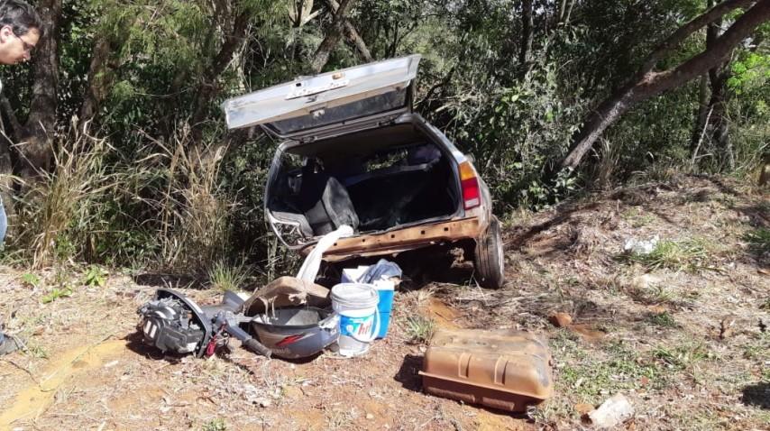 Três pessoas ficam feridas em batida entre dois carros na BR-272 - Notícias - Plantão Diário