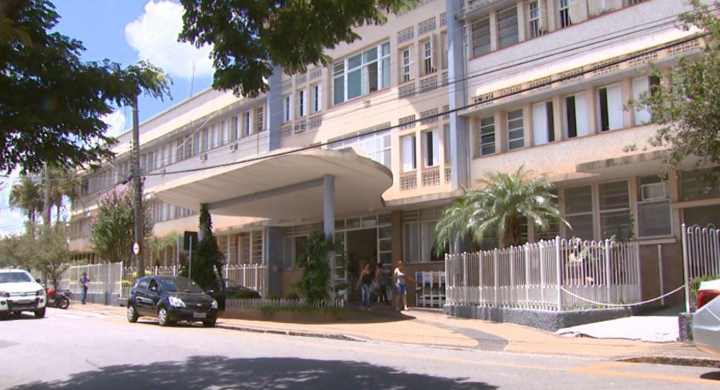 Maioria dos pacientes com Covid da Santa Casa de São João da Boa Vista tem entre 28 e 32 anos