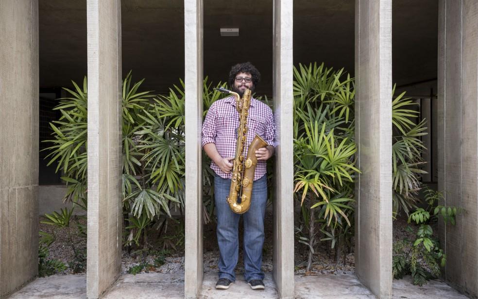 O saxofonista Esdras Nogueira se apresenta no QCultural, em Brasília (Foto: Joana França/Divulgação)