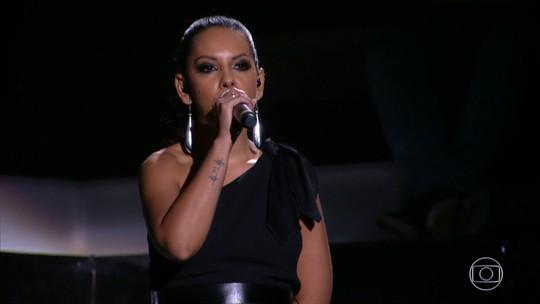 Motoboy realiza sonho de ver a mulher no 'Caldeirão': 'Depois da Whitney Houston, ela é a melhor'