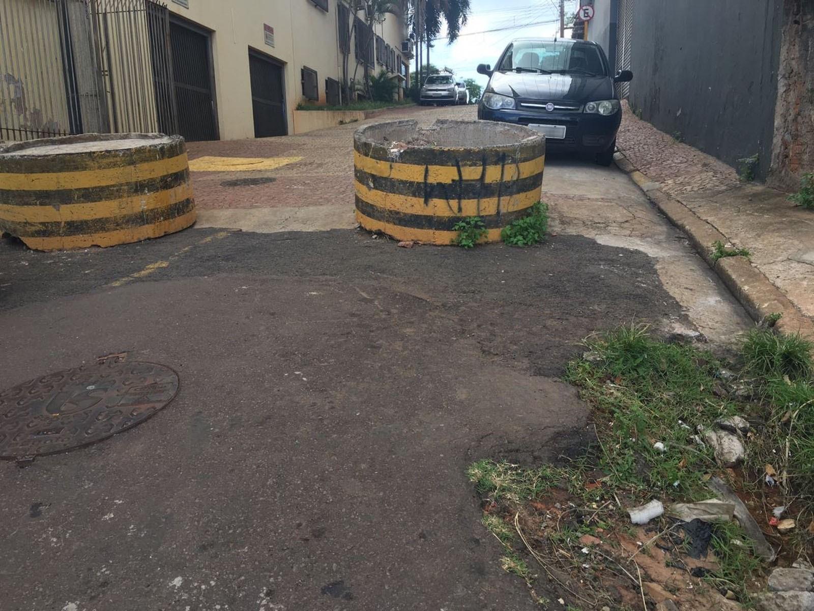 Rapaz é assaltado por quatro bandidos ao atravessar viela na Vila São Jorge, em Presidente Prudente - Notícias - Plantão Diário