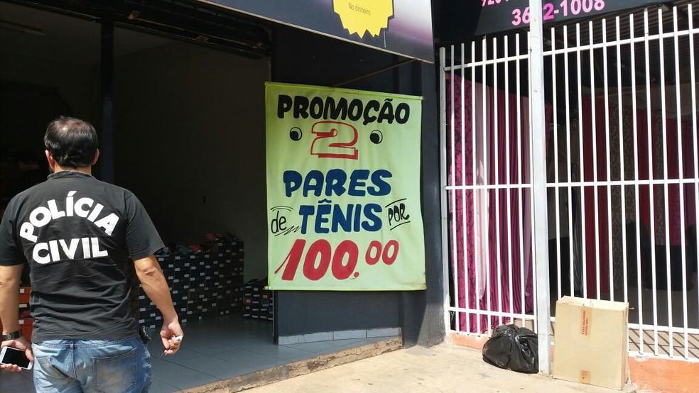 Loja alvo de ação policial fica na Avenida Filinto Müller, no Centro de Várzea Grande (Foto: Polícia Civil de MT/Assessoria)