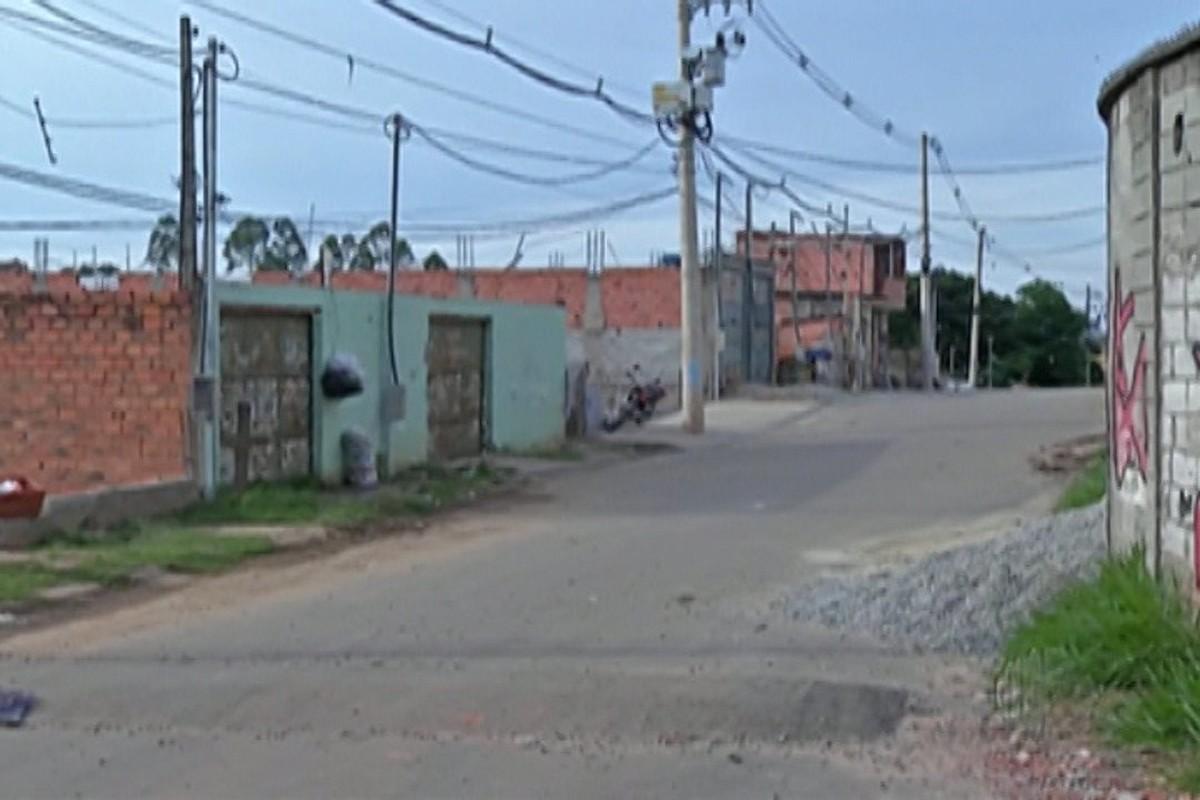 Mãe suspeita de matar filho de 1 ano se entrega em delegacia de Itaquaquecetuba