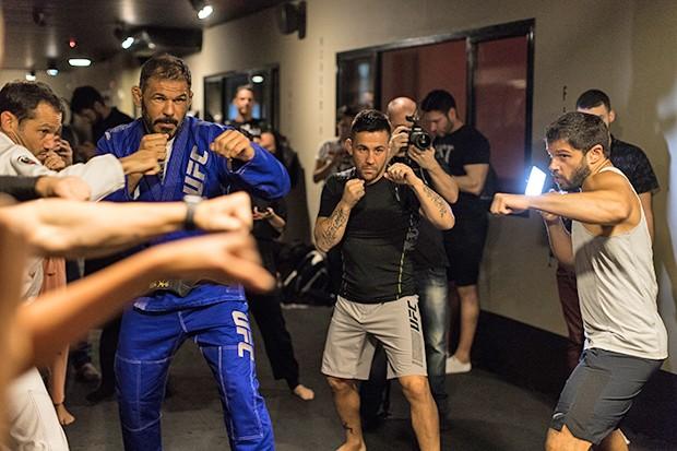 Aula de MMA (Foto: Eduardo Saraiva/ Quem Acontece)