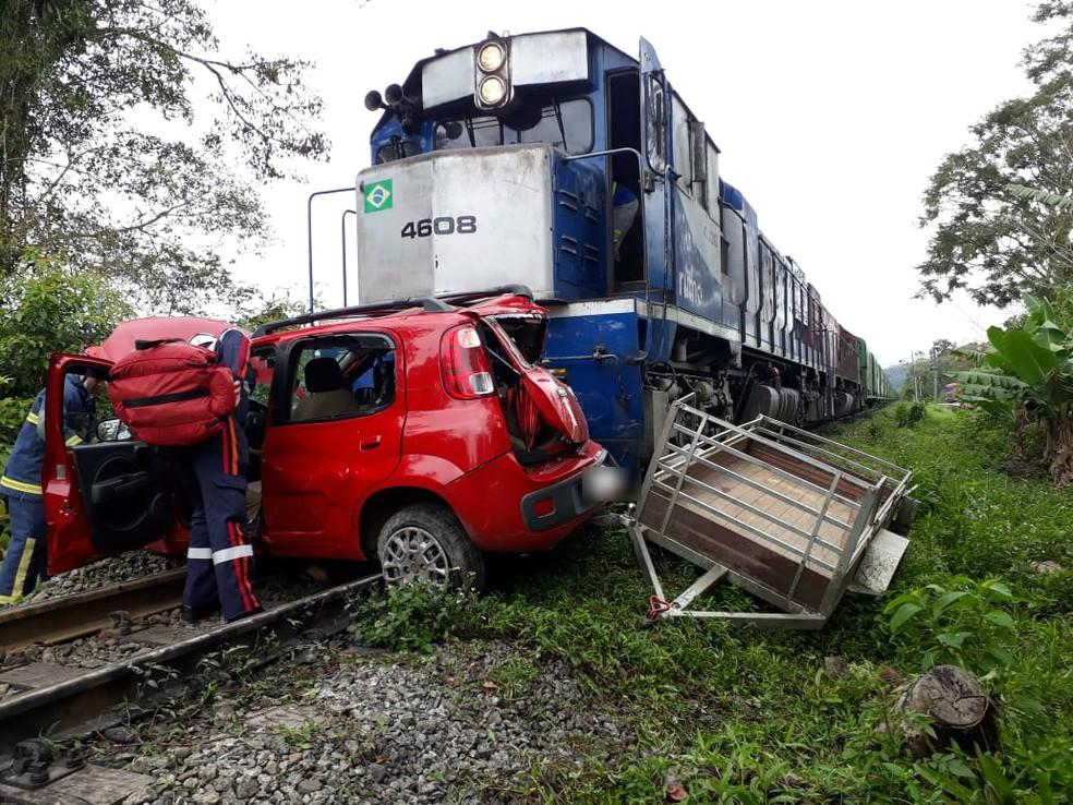 Acidente aconteceu na manhã desta sexta-feira (28) — Foto: Corpo de Bombeiros/Divulgação