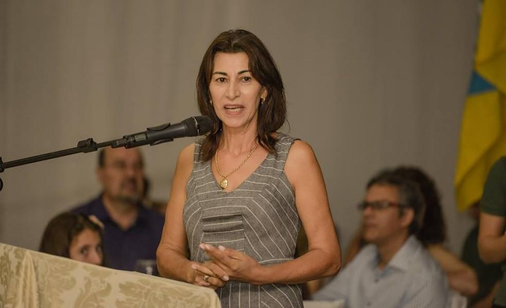 O parecer pela cassação do mandato da prefeita Marlene Revers, de Quedas do Iguaçu, teve nove votos a favor — Foto: Facebook/Reprodução