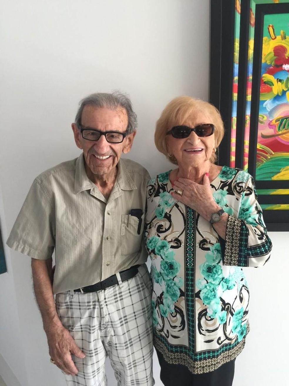Saul e a esposa, Clara, falecida em 2016. — Foto: Arquivo pessoal