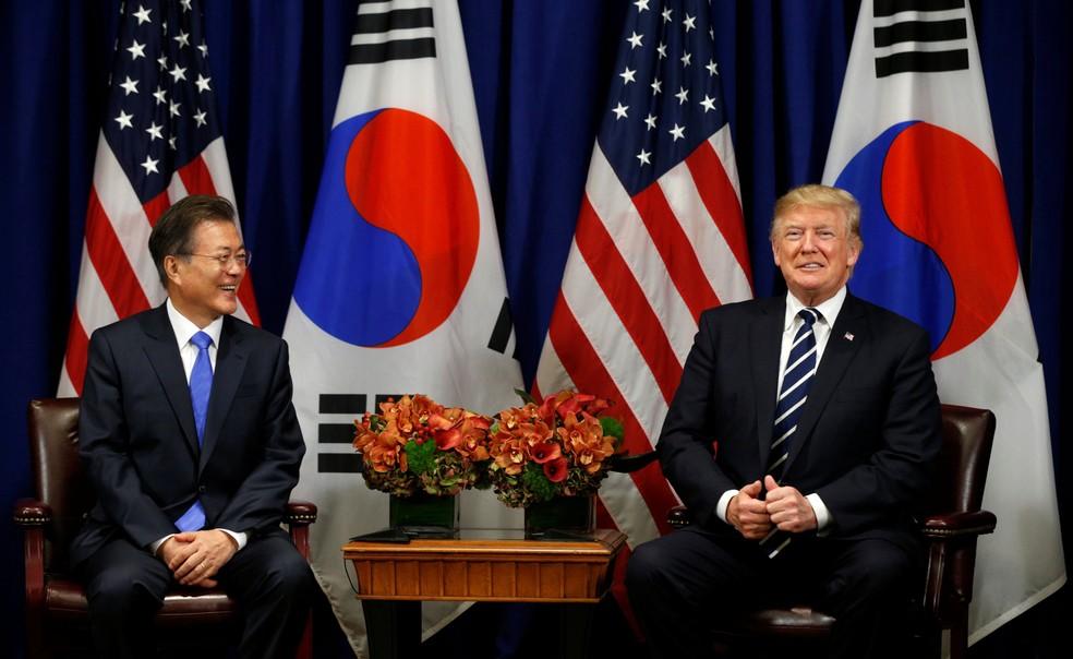 Presidente dos Estados Unidos, Donald Trump, e o presidente da Coreia do Sul,  (Foto: Kevin Lamarque/ Reuters)