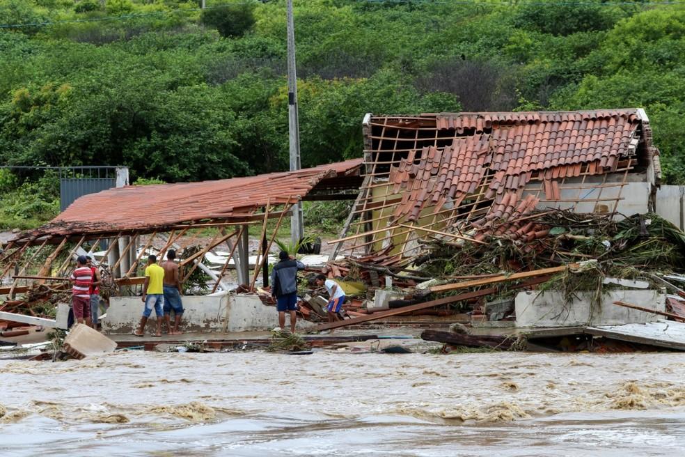 Resultado de imagem para casas borges chuva afogados da ingazeira
