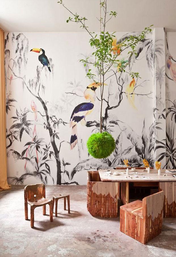 Décor do dia: sala de jantar com papel de parede botânico (Foto: Reprodução/Divulgação)