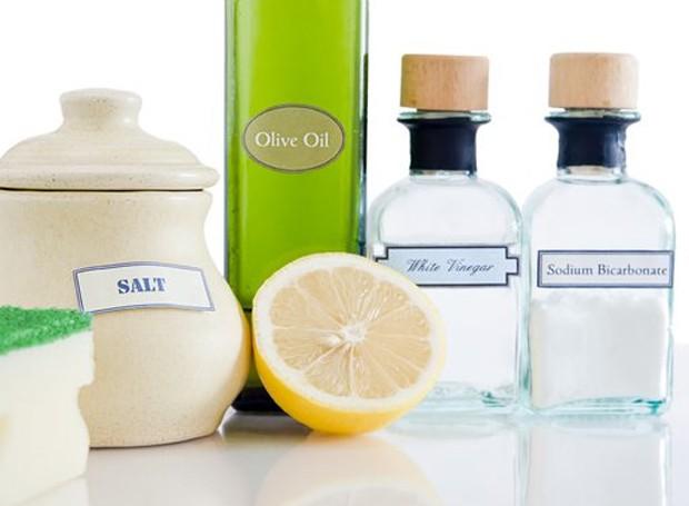 Você pode fazer misturinhas poderosas para criar bons produtos de limpeza (Foto: Getty Images)