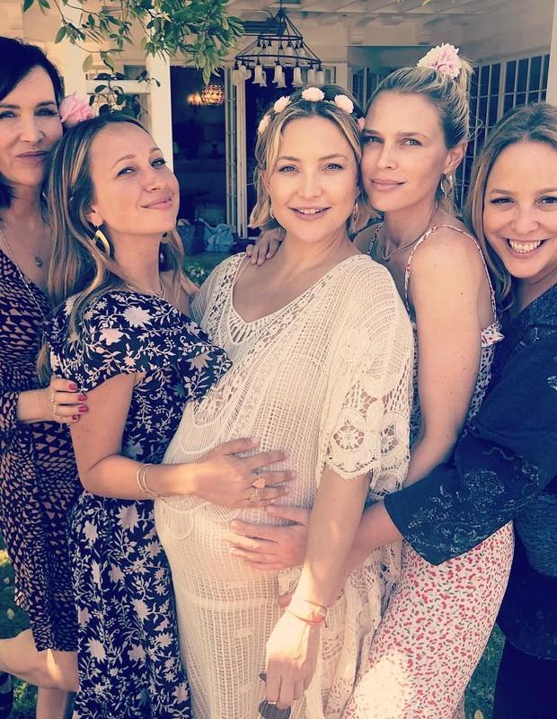 Kate Hudson ganha chá de bebê (Foto: Reprodução/Instagram)
