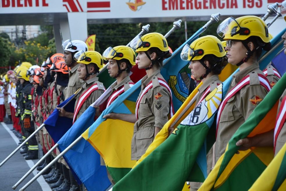 Corporação durante troca de comando do Corpo de Bombeiros de Goiás — Foto: Divulgação/Corpo de Bombeiros