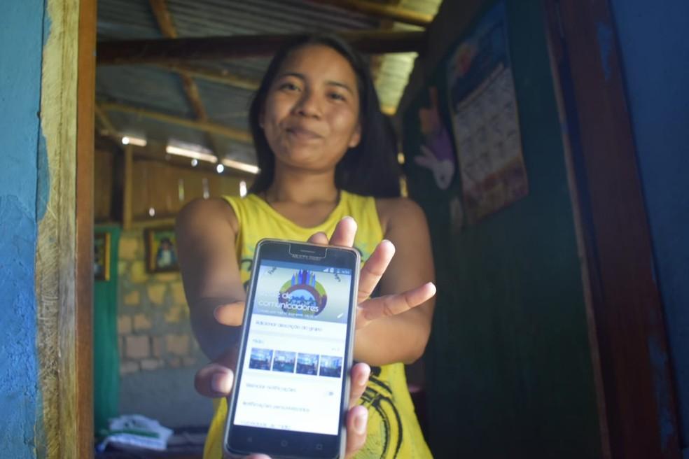 Daniela usa rede de comunicadores para levar informação à aldeias distantes — Foto: Lana Torres/G1