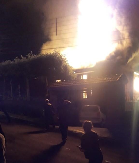 Diretor da Câmara de Vereadores de Campo Bom e mãe morrem em incêndio de casa