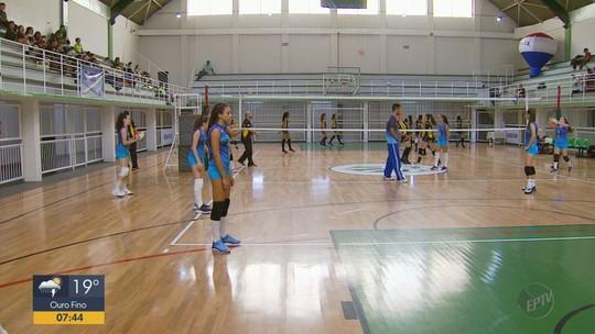 Ginásio da Caldense recebe Campeonato sub-15 de vôlei feminino