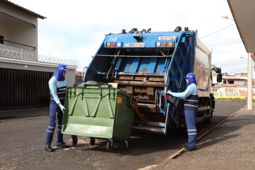 População de Uberlândia deve redobrar cuidados com descarte de lixo no carnaval, alerta Prefeitura