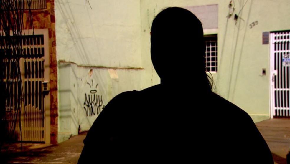 Professora diz ter sido agredida por aluna após chamar atenção em sala de aula em Ribeirão Preto — Foto: Reprodução/EPTV